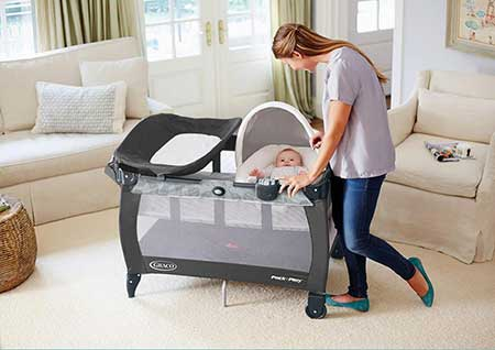 Best Portable Crib For Grandma's House Reviews 2020 [With Safety Tips]