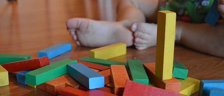 free indoor activities for kids - Building Structures