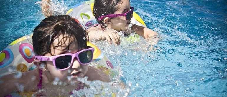 kids indoor swimming